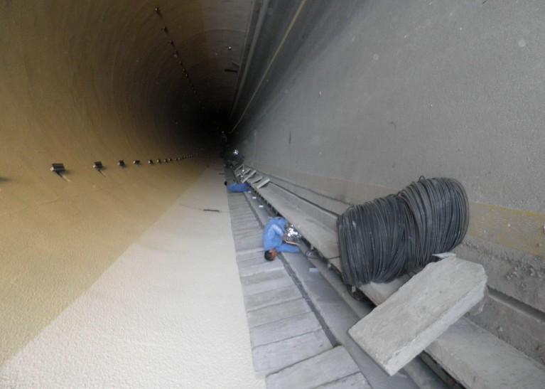 隧道消防安装现场图锦